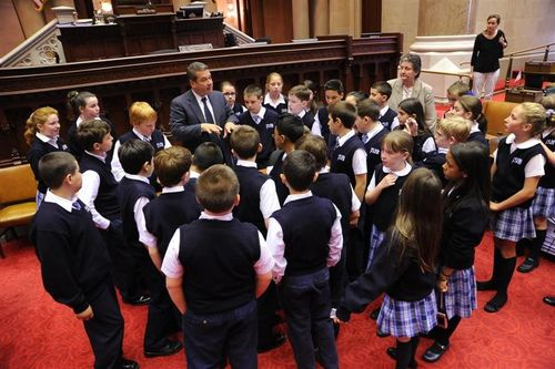 Spano_Mike withYonkersStudentsatNYSLegislature